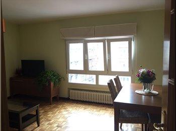 EasyPiso ES - Una habitación en un acogedor y luminoso piso compartido. Plaza del Carmen., Gijon - 250 € por mes