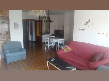 EasyPiso ES - ESTUDIANTES CHICAS / CENTRO DE BURGOS, Burgos - 165 € por mes