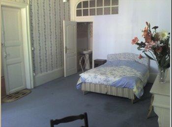 Appartager FR - chbre meublée à moulins tout confort, Moulins - 250 € /Mois