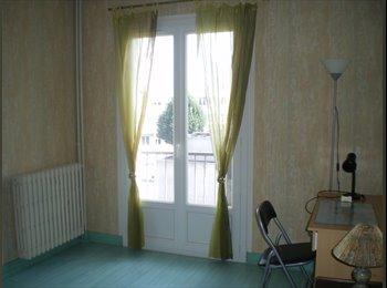 Appartager FR - Loue chambre meublée, Blois - 250 € /Mois