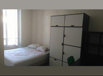 Appartager FR - chambre meublée appartement équipé / one bedroom, Nîmes - 275 € /Mois