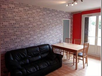 Appartager FR - 1 Chambre libre dans t4 rénové PROXIMITE CAMPUS, Grenoble - 390 € /Mois