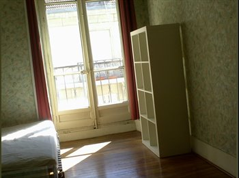 Appartager FR - colocation dans appartement 85 m2 CENTRE VILLE, Grenoble - 400 € /Mois