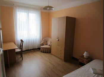 Appartager FR - Chambre meublée dans appartement de type 2, Brest - 300 € /Mois