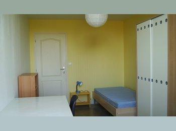 Appartager FR - Chambre d'étudiant dans grand meublé., Blois - 310 € /Mois