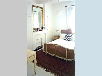Appartager FR - Bright furnished rooms in an Artists home , Aix-en-Provence - 600 € /Mois