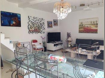Appartager FR - Chambre meublé dans pavillon , Nogent-sur-Marne - 750 € /Mois
