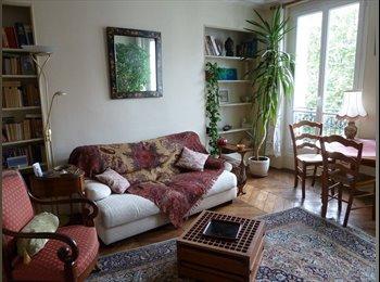 Appartager FR - Chambre à louer dans un appartement lumineux et bien desservi donnant sur un square, 10ème Arrondissement - 700 € /Mois