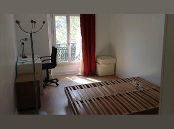 Appartager FR - Chambre meublée 13m2 à République, 10ème Arrondissement - 650 € /Mois