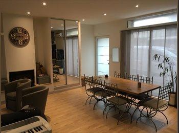 Appartager FR - 1 chambre a louer, Bourg-lès-Valence - 300 € /Mois