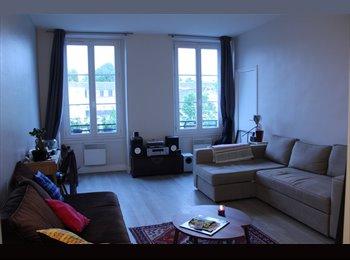 Appartager FR - Coloc' disponible dans un Appartement 3 pièces de 82 m² à Paris-Gare de l'Est, 10ème Arrondissement - 710 € /Mois
