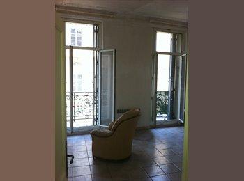 Appartager FR - T 2 meuble avec terrasse, Marseille - 620 € /Mois