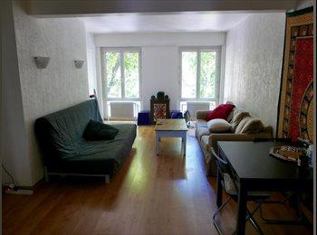 Appartager FR - 1 chambre en colocation- T3 70m2 centre-ville , Aix-en-Provence - 520 € /Mois