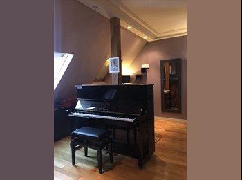 Appartager FR - Piano - Photography - Coaching - Meditation, 8ème Arrondissement - 900 € /Mois