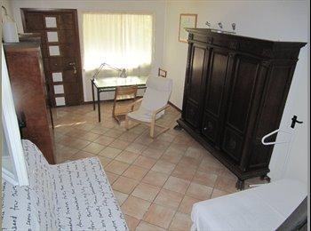 EasyStanza IT - Affitto stanza in villa con giardino, Modena - € 400 al mese