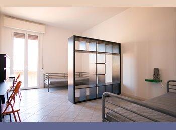 EasyStanza IT - Posto letto in ampia camera doppia, Bologna - € 350 al mese