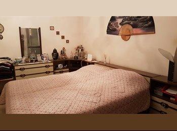 EasyStanza IT - stanza doppia ampia con balconcino, Nichelino - € 310 al mese