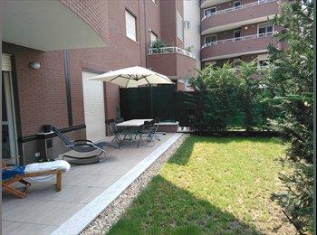 EasyStanza IT - Solo per ragazza , stanza con bagno a Moncalieri , Moncalieri - € 250 al mese