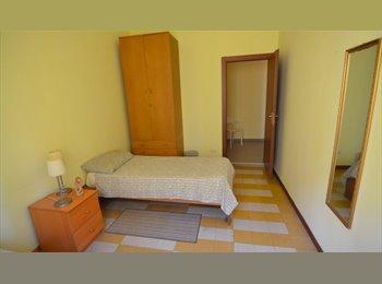 EasyStanza IT - Posto Leto, in camera Doppia, Centrale - Loreto - € 350 al mese