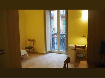 EasyStanza IT - Appartamento per studenti Bellissimo ristrutturato zona Garibaldi, Napoli - € 350 al mese