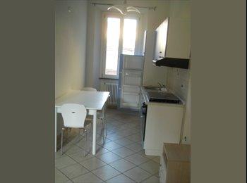 EasyStanza IT - Appartamento C3, Forlì - € 630 al mese