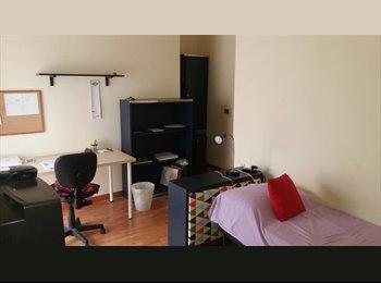 EasyStanza IT - Fittasi camera Piazza Principe Umberto, Napoli - € 240 al mese