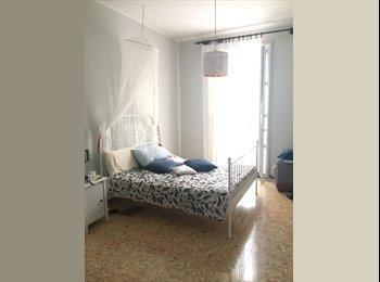 EasyStanza IT - Affitto Ampia Stanza Singola con Balcone, Modena - € 280 al mese