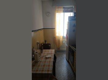EasyStanza IT - Camere studentesse , Forlì - € 250 al mese