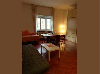 EasyStanza IT - Affittasi stanza singola a ragazza lavoratrice, Marconi-Ostiense - € 400 al mese