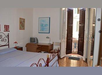 EasyStanza IT - 3 camere centralissime quartiere adriatico, Ancona - € 230 al mese