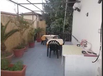 EasyStanza IT - Affitto 2 posti letto e 1 camera singola, Monte Porzio Catone - € 200 al mese