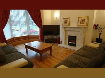 EasyRoommate UK - Lovely Victorian Townhouse close to City Centre, Carlisle - £370 pcm