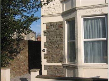 EasyRoommate UK - **STUDENT LET** Single/Double Bedrooms in Fishponds (£400-£300)., Fishponds - £400 pcm