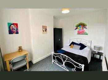 EasyRoommate UK - WOODSTON - FANTASTIC  DOUBLE ROOM!, Peterborough - £389 pcm