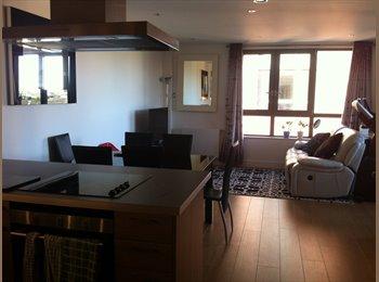 EasyRoommate UK - New built flat, double bedroom ensuite, Poole - £850 pcm