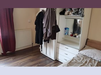 EasyRoommate UK - Terraced House in Clarendon Park area of Leicester, Clarendon Park - £320 pcm