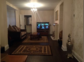 EasyRoommate UK - Massive double bed with an en-suite, Northern Quarter - £450 pcm