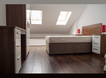 EasyRoommate UK - Luxury- En-suite Double Furnished Room- L3 City Centre Location, Liverpool - £520 pcm