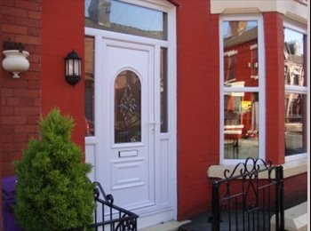 EasyRoommate UK - 4 BED SHARED HOUSE WAVERTREE OFF SMITHDOWN ROAD, Wavertree - £238 pcm