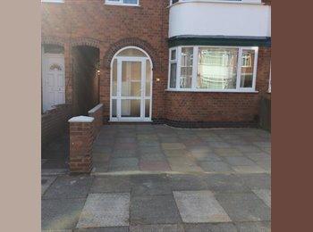 EasyRoommate UK - Double room for rent , Aylestone - £500 pcm