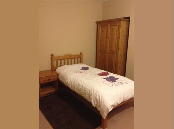 EasyRoommate UK - newly decorated room for rent in friendly home, West Knighton - £350 pcm