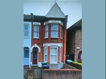 EasyRoommate UK - Double front room - South Tottenham, Seven Sisters - £550 pcm