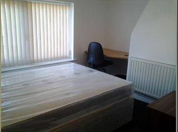 EasyRoommate UK - 11 CHAPEL HOUSE SHARE AVAILABLE , Preston - £382 pcm