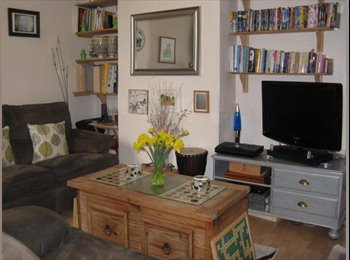 EasyRoommate UK - Homely, Friendly, Female House Share , Portsea Island - £380 pcm