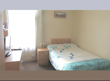 EasyRoommate UK - Double room in a quiet house. All bills included., Leytonstone - £628 pcm
