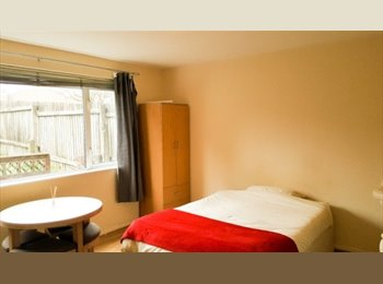 EasyRoommate UK - Spacious Double Rooms for Rent, Jewellery Quarter - £460 pcm