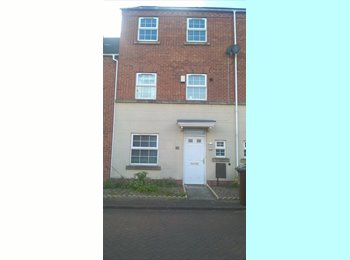 EasyRoommate UK - Spaicious flat share. For your £375 you get your own floor with three bedrooms and your own bathroom, Bestwood - £375 pcm