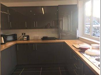EasyRoommate UK - Carlisle student house- double room available , Carlisle - £275 pcm