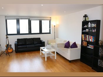 EasyRoommate UK - DOUBLE ROOM SHARE WITH SINGLE INDIAN IT PROFESSIONAL MALE, East Ham - £425 pcm