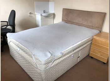 EasyRoommate UK - Cosy Furnished Double Bedroom For Rent £450PCM!, Fishponds - £450 pcm